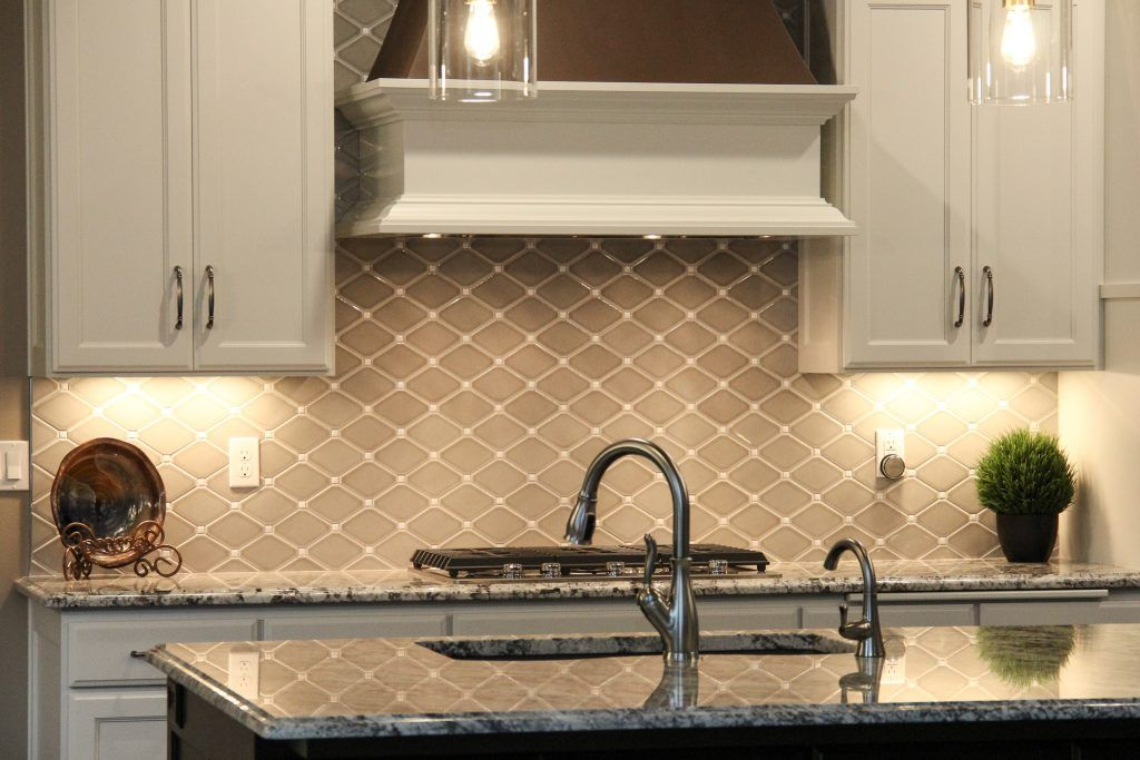 Best Backsplash Tile Dove Gray Diamond Gray Tile 640 x 480