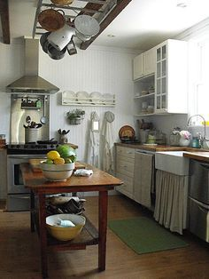 Rustic Farmhouse Kitchen a29333b8bdbe2f77d6642d25105e63bd (236×314) | kitchen stuff