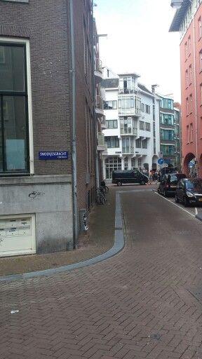 doorkijk naar nieuwe hoogstraat Amsterdam