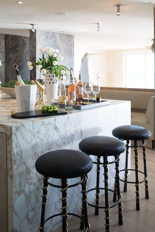 Marble bar // Serpent Bar Stool #kellywearstler