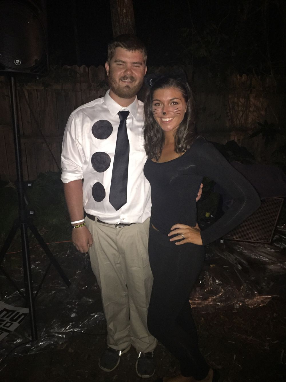 3 hole punch jim and pam as a cat #theoffice #jimandpam #halloween
