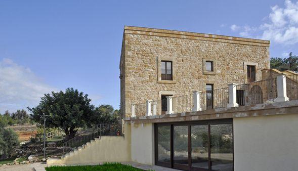 Case Di Campagna In Pietra : Porzione di tipica casa di campagna in pietra a vista situata non