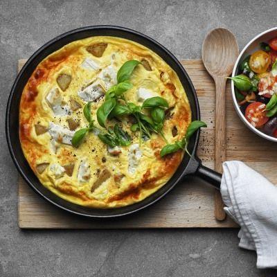 omelett fetaost soltorkade tomater