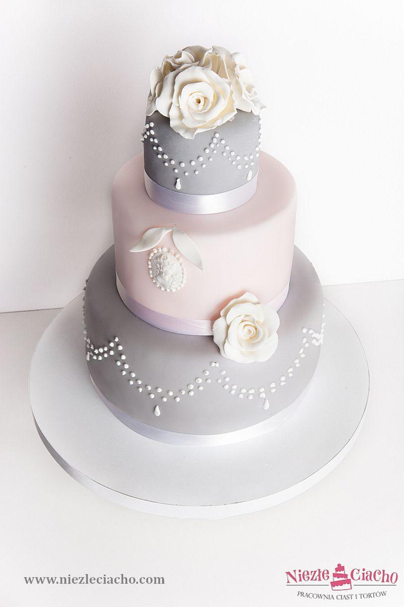 srebrny tort weselny, szary  tort weseln, kwiatowy tort weselny, torty weselne, torty na wesele, przyjęcie weselne, styl angielski