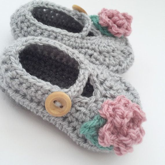 Crochet baby girl shoes, grey pink shoes newborn, crochet infant ...