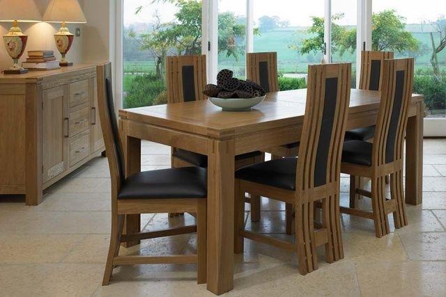 table-salle-manger-extensible-bois-design-élégant-chaises-bois