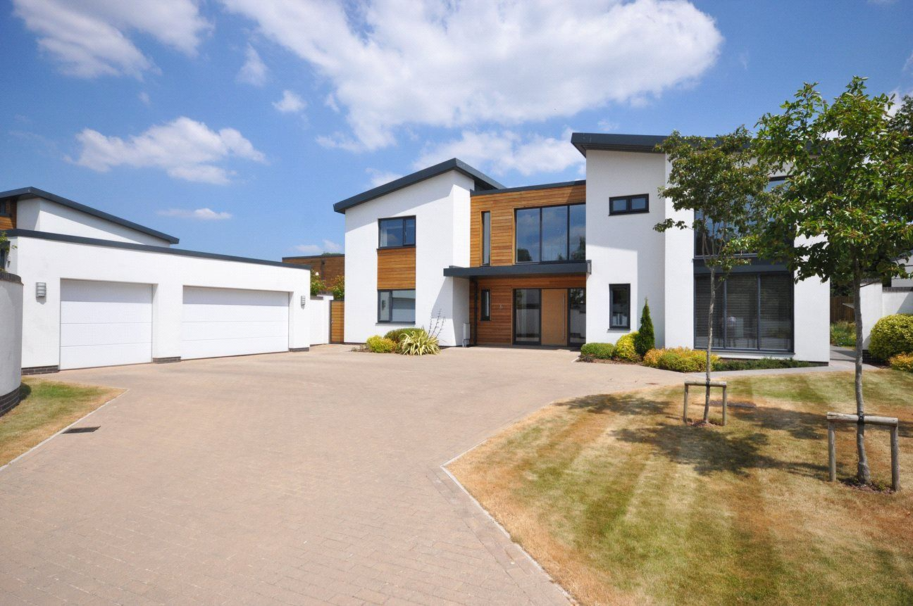 Photos of Holland Park, Exeter EX2 - 48106137 - Zoopla ...