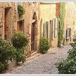 Rue médiévale by Jolivillage