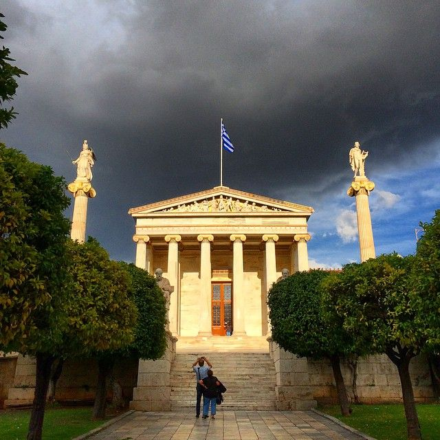 After the rain comes the perfect dramatic light - combined w/ greek architecture: absolutely amazing. #thisisathens #tbex #Athens #Greece