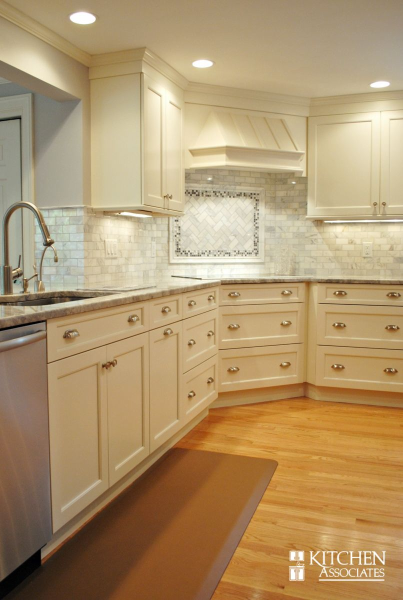like this backsplash (with honed black granite countertop ... on Maple Cabinets With Black Granite Countertops  id=55742