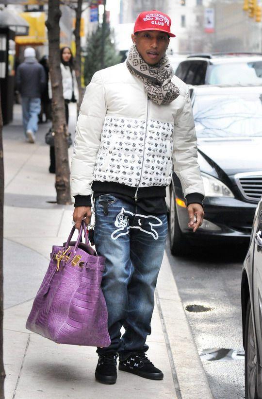 17f2c617a642 A true fashion icon! Look at the purple bag