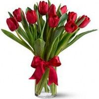 Buy Flower Arrangement Of Red Tulips In San Diego Available For A Local Flower Delivery To Residences Hospit Red Tulips Bouquet Red Tulips Valentines Flowers