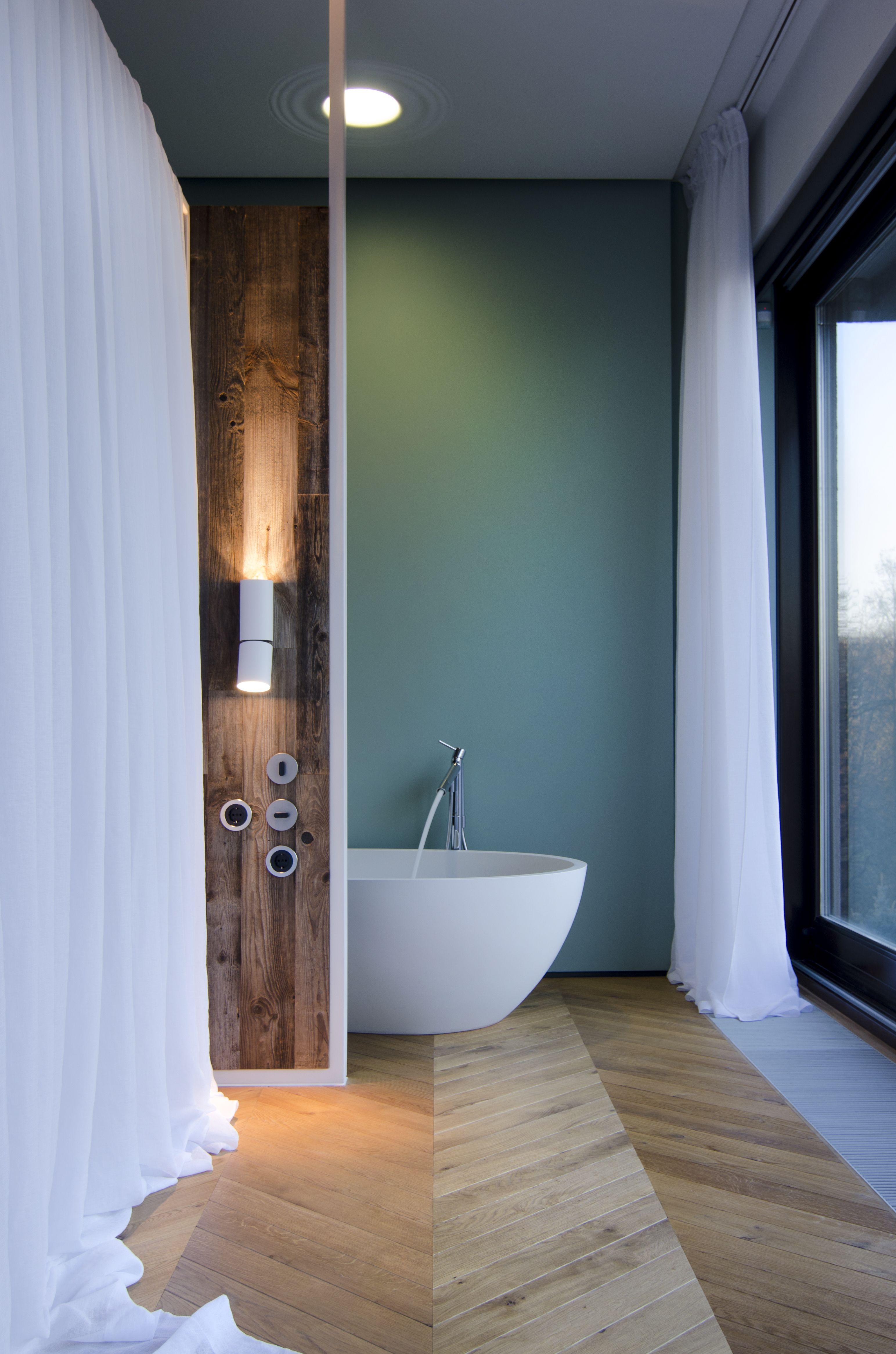 Open bathroom, wood, parquet, tortoise colour, agape, starck ...