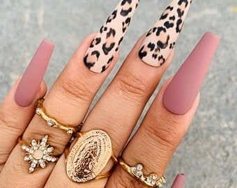Green Money Nails Press On Nails Any Shape And Size Fake Nails Swarovski Nails Crystal In 2020 Swarovski Nails Gold Nails Crystal Nails