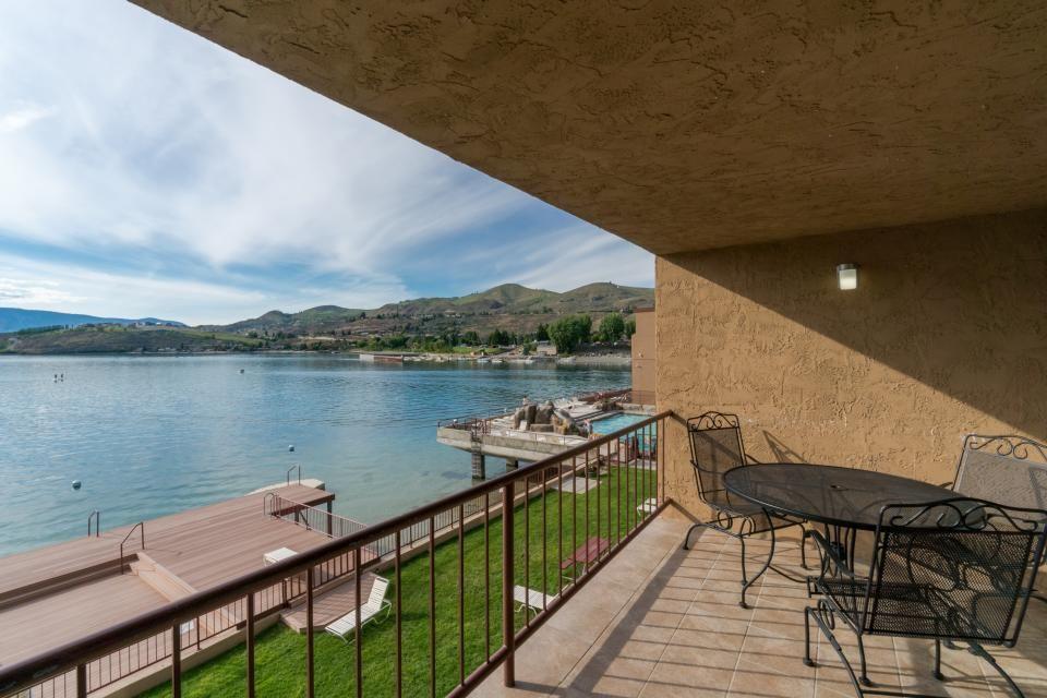 Click to view larger image vacation vacation rental chelan