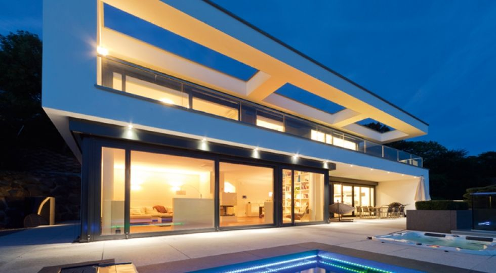 okal villa im bauhausstil okal hausansichten au en. Black Bedroom Furniture Sets. Home Design Ideas