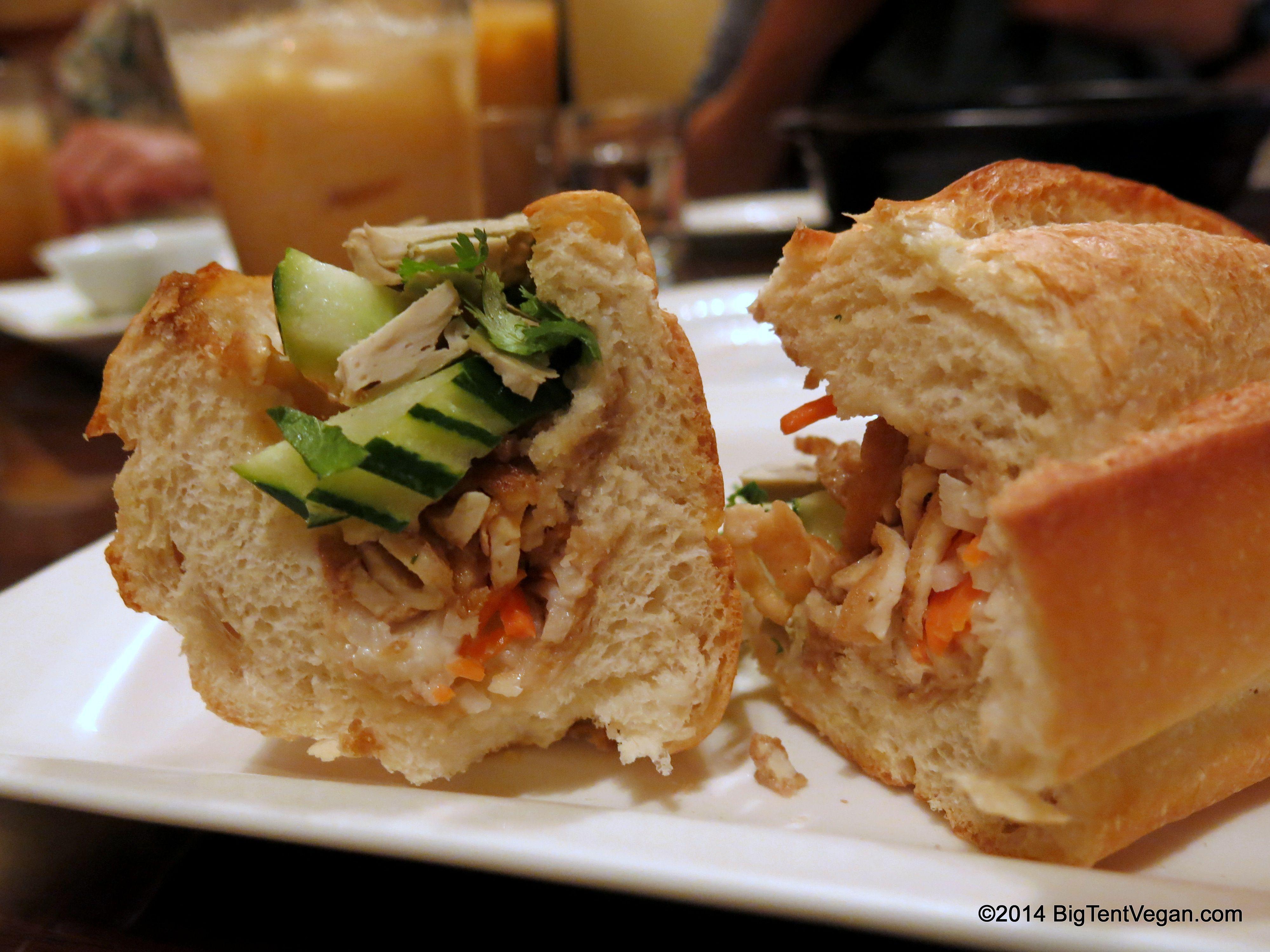 Vietnamese Banh Mi Sandwich 100 Vegan Restaurant Simple Joy 1145 King St Between Pensacola Piikoi Honolulu Hi