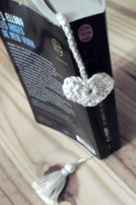 marque page, coeur , au crochet