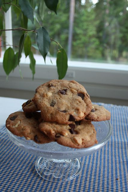 Love at First Bite: Nestle Toll House Chocolate Chip Cookies