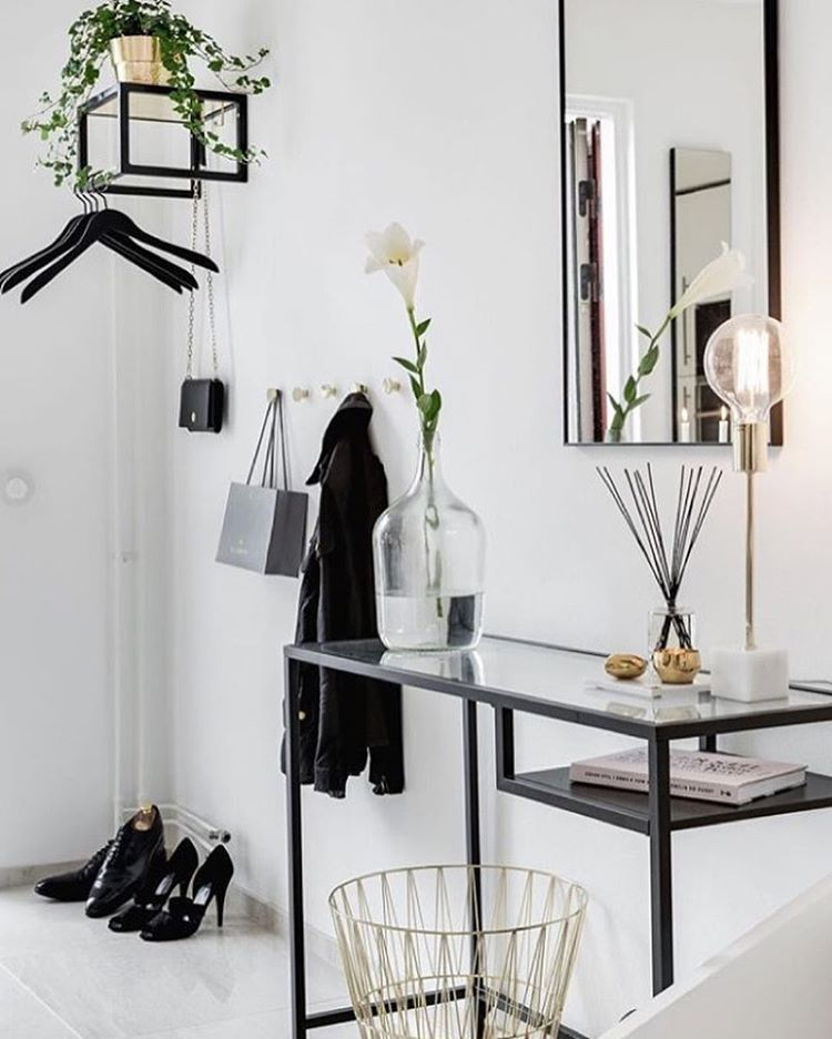 Another Great Styling Of A Ikea Vittsjo Desk Small Entryway Ideas Retro Home Decor Home Decor Und Home Interior Design