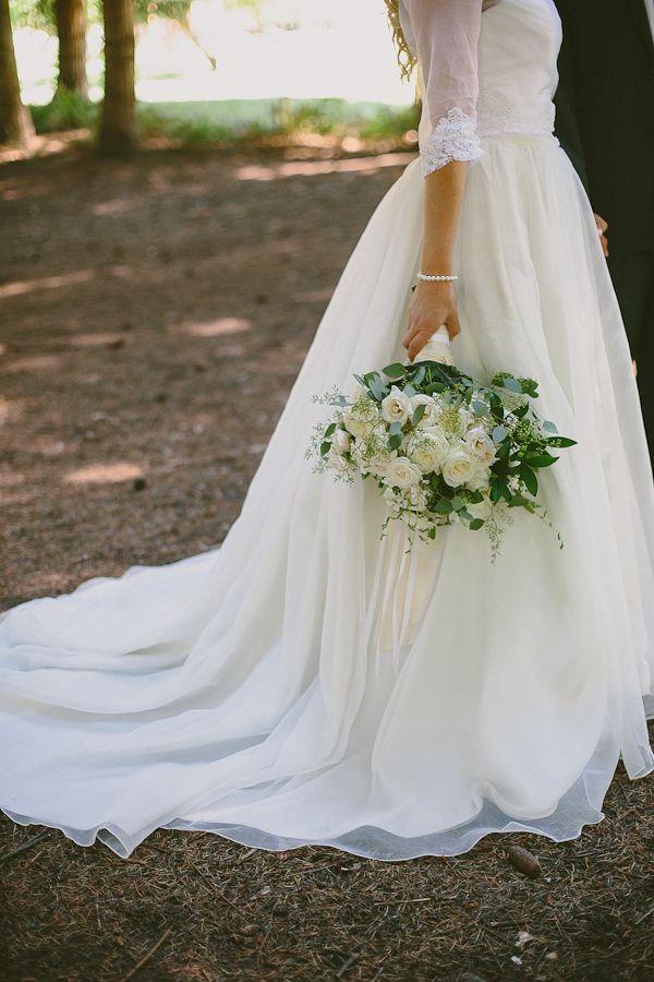 Romantic Oregon Riverside Wedding