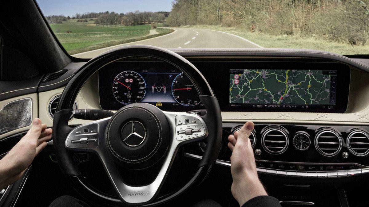 MercedesBenz SClass 2018 новые фото обновленного седана