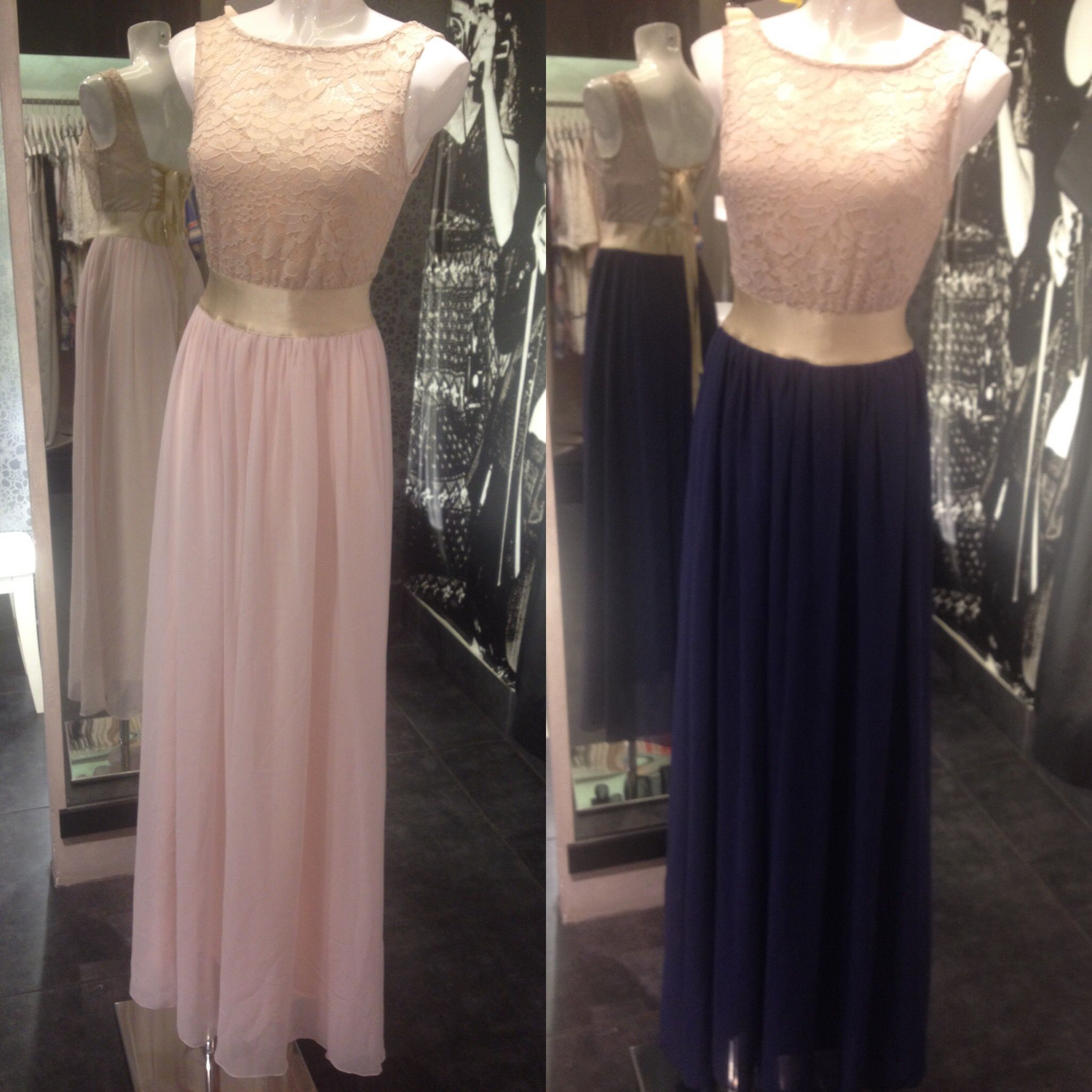 Maxi φόρεμα από μουσελίνα και δαντέλα και με χρυσή ζώνη.Διαθέσιμο και πάλι  στο www d54faec99f9