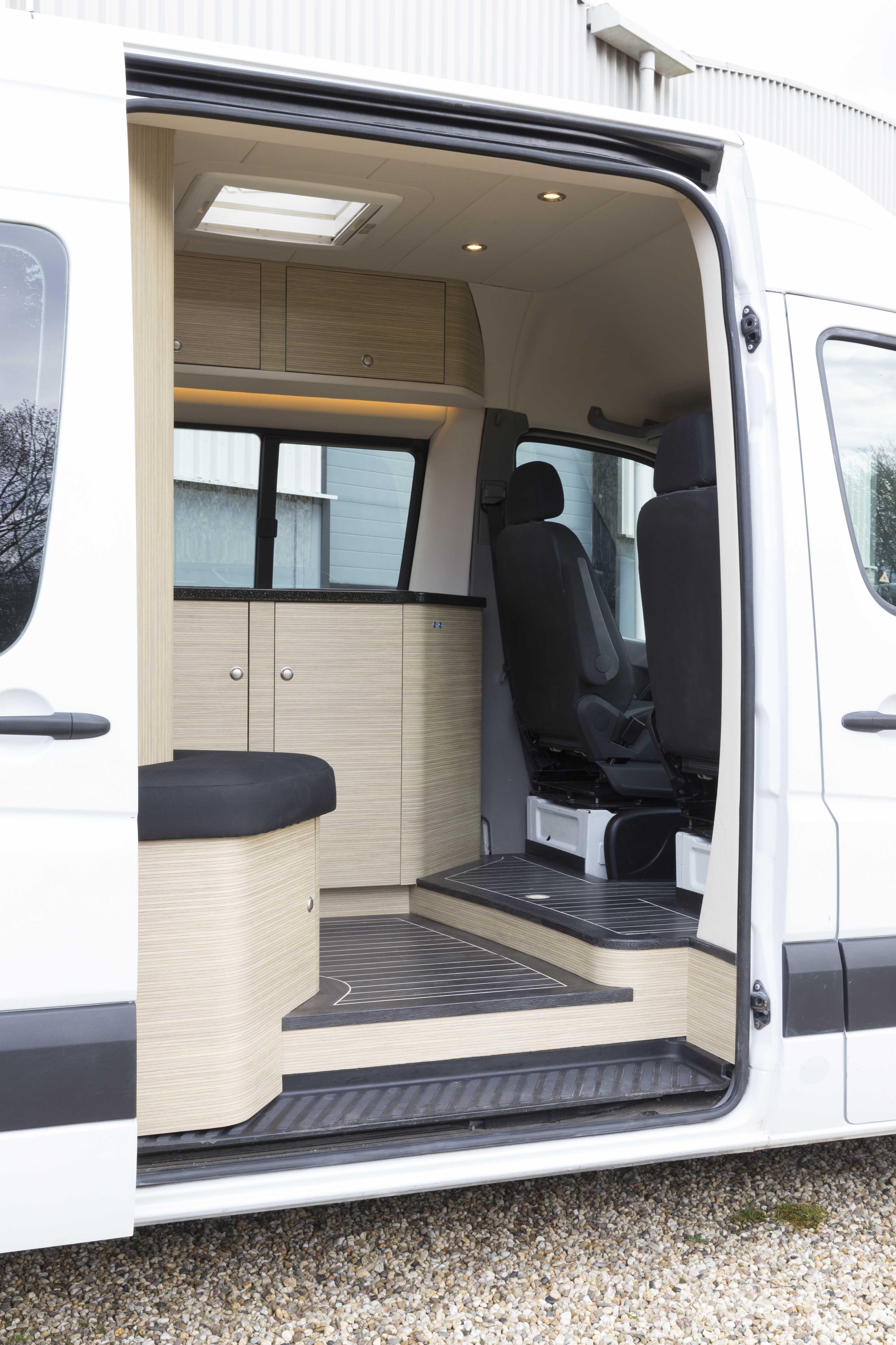 Innova Automotive Campers en Yachting – Mercedes Sprinter L2H2 ...
