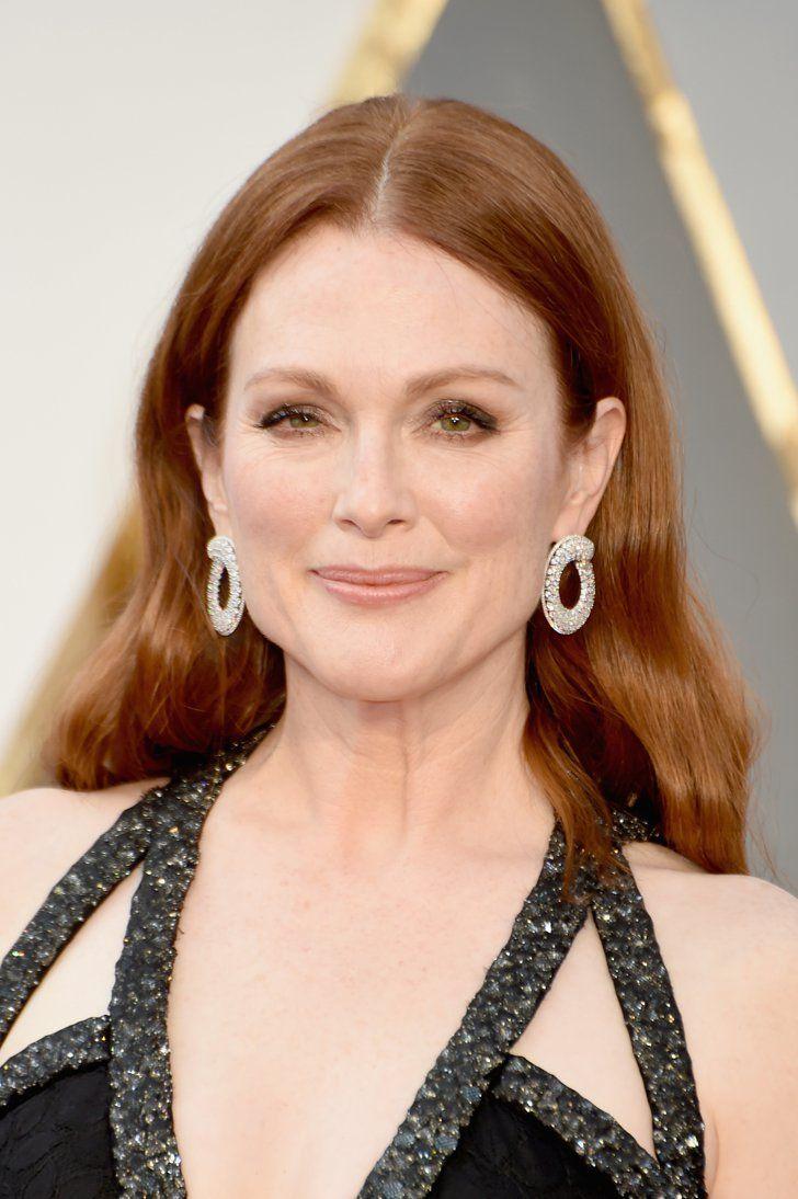 "Pin for Later: ""Diamonds are a girl's best friend,"" ganz besonders bei den Oscars Julianne Moore mit Ohrringen von Chopard"