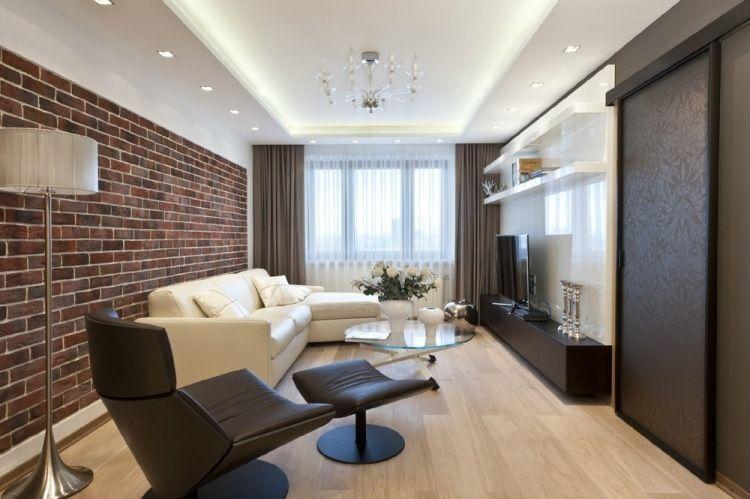 modernes Wohnzimmer in Dunkelbraun und Weiß - abgehängte Decke