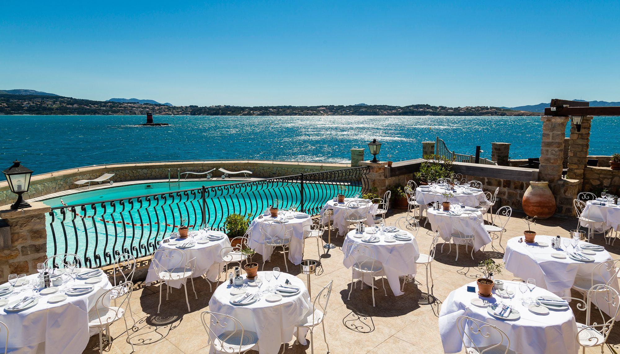 La Terrasse Du Restaurant Côté Piscine De L Hôtel Le Delos
