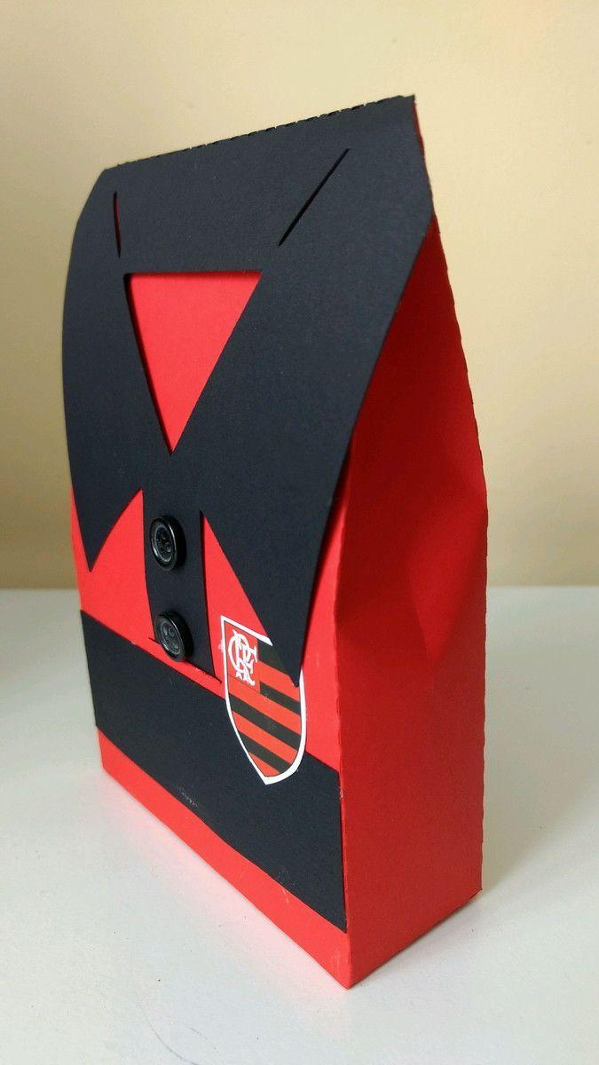 sacolinha Camisa de futebol ideal para lembrancinhas de aniversário do seu  time favorito. Fazemos com todos os times. fad1296efa4e4