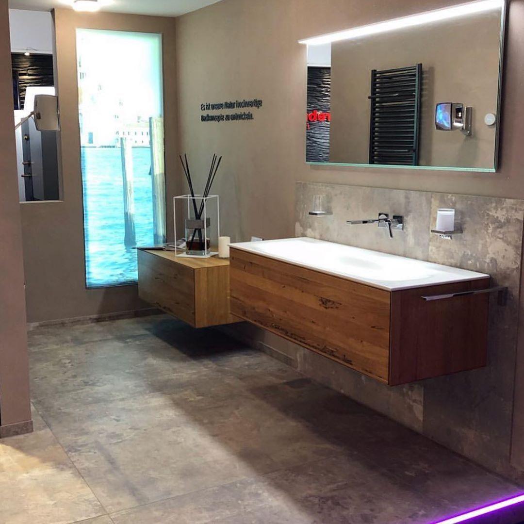 Schauen Sie Gerne In Unserer Ausstellung Vorbei Denn Auch Ihr Tag Beginnt Im Bad Shk Sanitar Badausstellung Bader Baderausstellung Badezimmer Badren