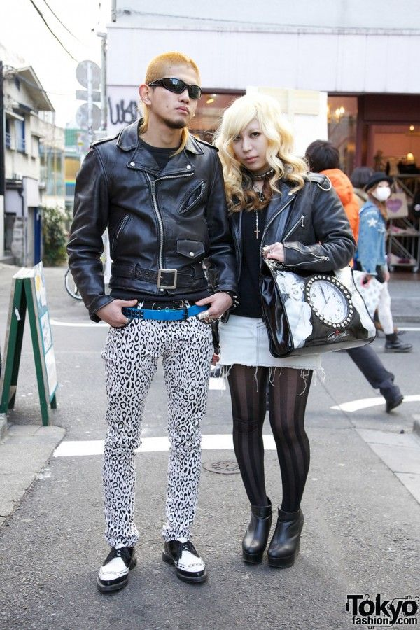 awkwardly enough, I'd totally attempt both these outfits. I love her shoes!