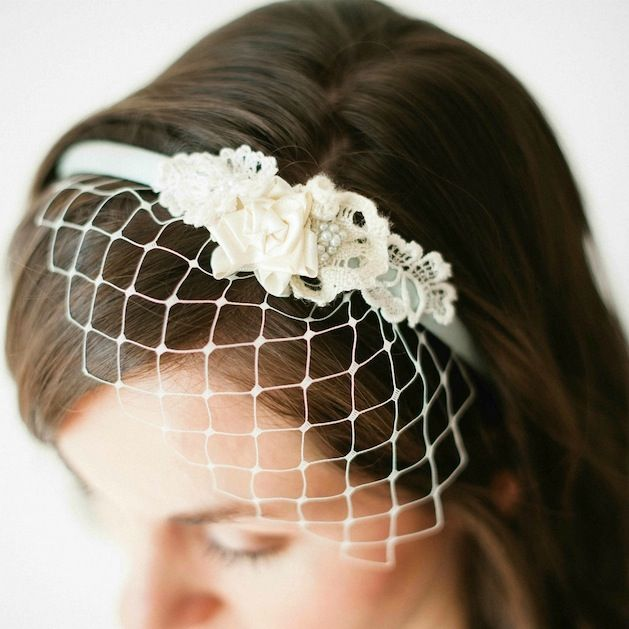 Keep it classy and simple on your big day with this birdcage veil headband  tutorial that Claire from Bella Chiara shared on Bee-Inspired. d54465dc39d