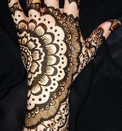 Mehndi by anonymous Would look nice on the inside of my bicep