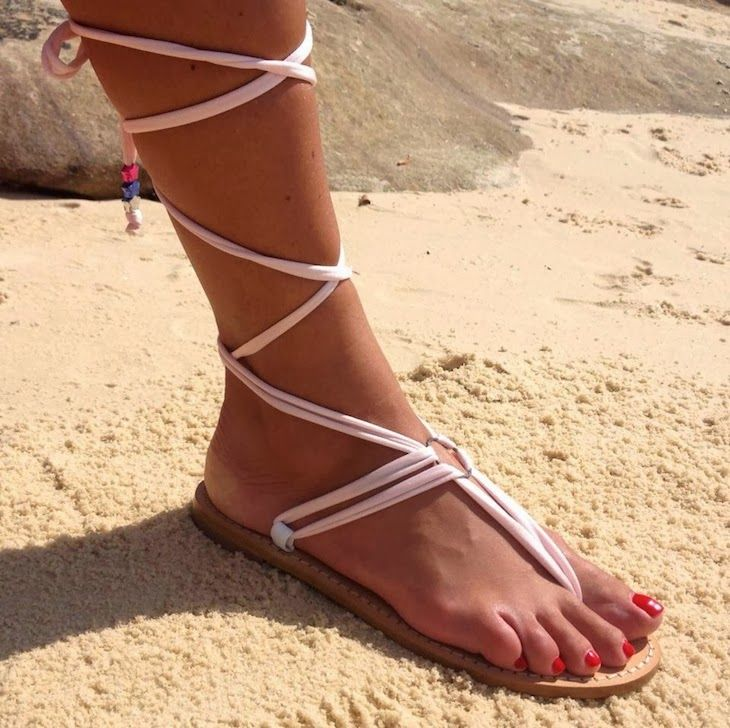 #BIKINI #floral #mexico #summer #print #fashion #beachwear #colorful #playadelcarmen #sandali #sandals #cool #colors #roses #fabrics #fashionblog #fashionblogger Back to Playa del Carmen Stars in Pills Beachwear Made in Mexico Printed, double triple face bikini sandali schiava, sandals thefashionamy f...