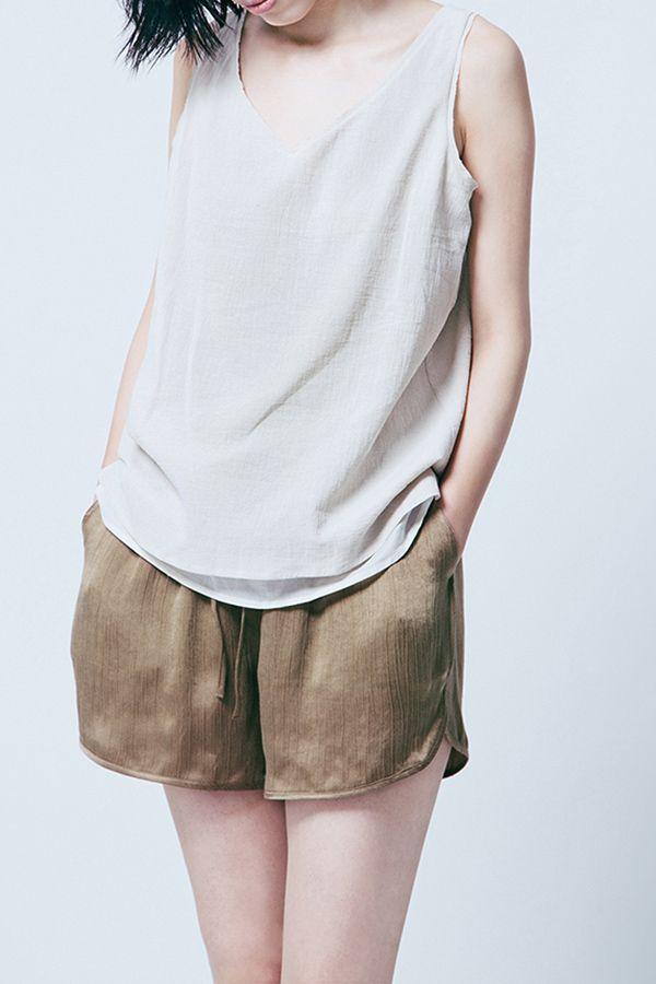 Twin Pocket Elastic Waist Shorts