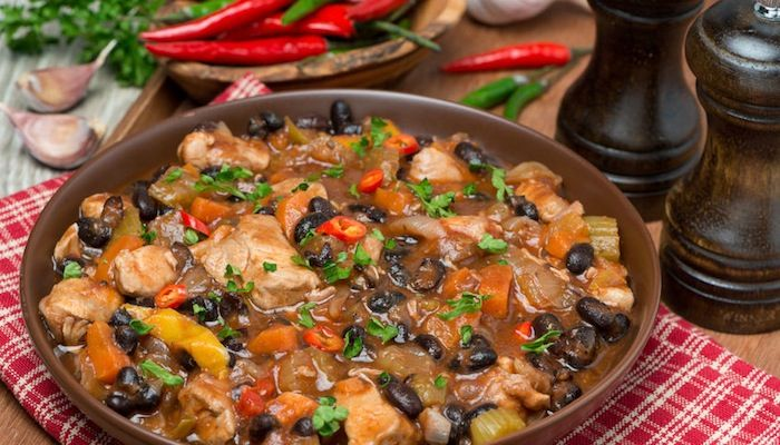 Sweet Potato, Black Bean & Turkey Hash - This meal is a high fiber, high protein blend of nutrient rich foods that can be consumed for any meal or snack, including breakfast. #GreenBoxFoods #highfiber