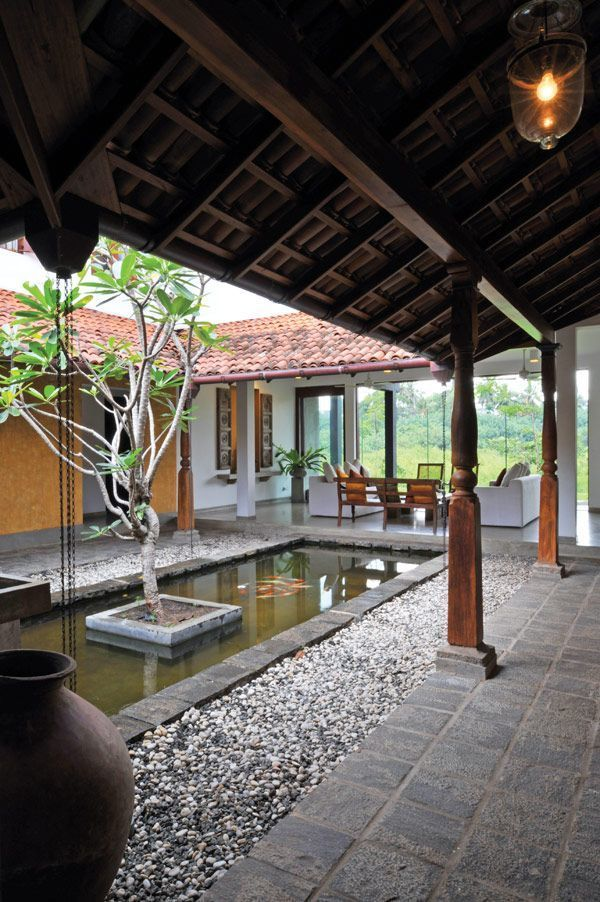 Open Spaces Are Wonderful I Really Enjoy The Natural Light Backyard House Courtyard House Kerala House Design