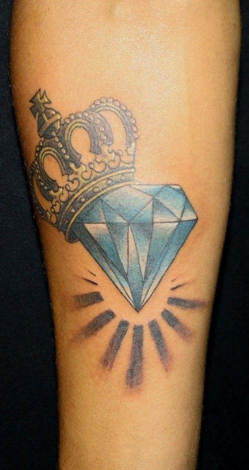 dessin diamant et couronne pour un tatouage. Black Bedroom Furniture Sets. Home Design Ideas