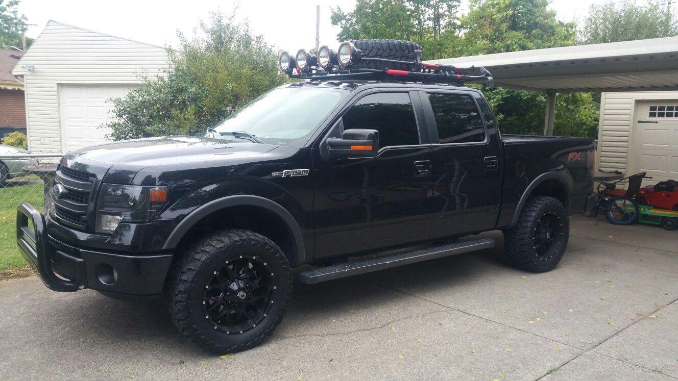 Ford F150 W/Smittybilt Defender Roof Rack