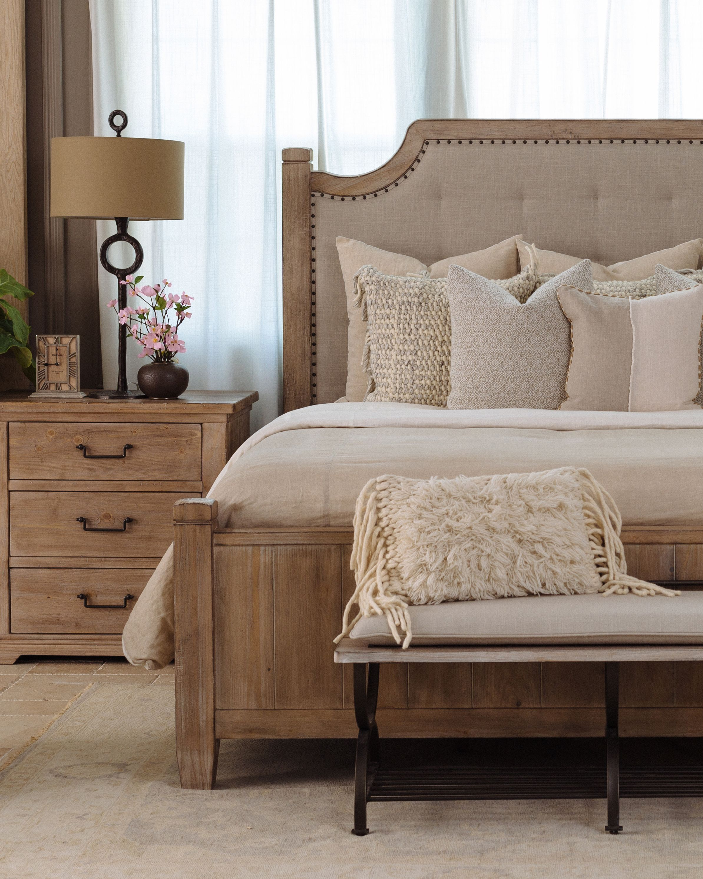 "Casual 20"" Bed Bench in Beige Apartment living room"