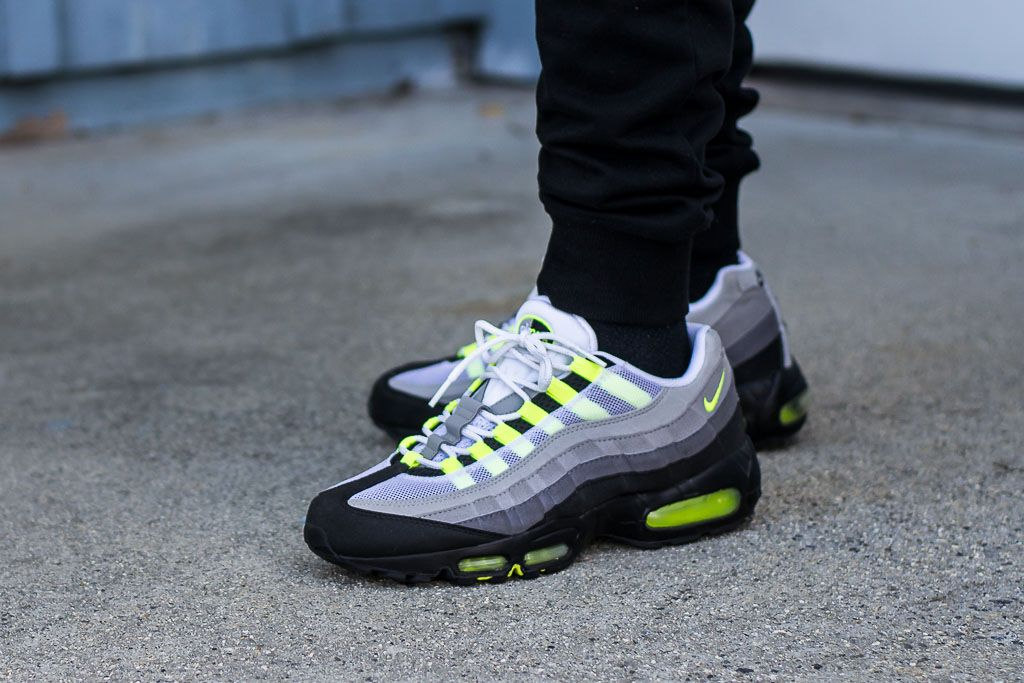 2010 Air Max 95 Neon On Feet Sneaker Review Classic Colorway Air Max 95 Neon Air Max Nike Shoes Air Max
