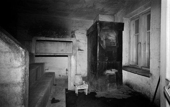 Hernesaarenkadun saunan löylyhuone vuonna 1972.