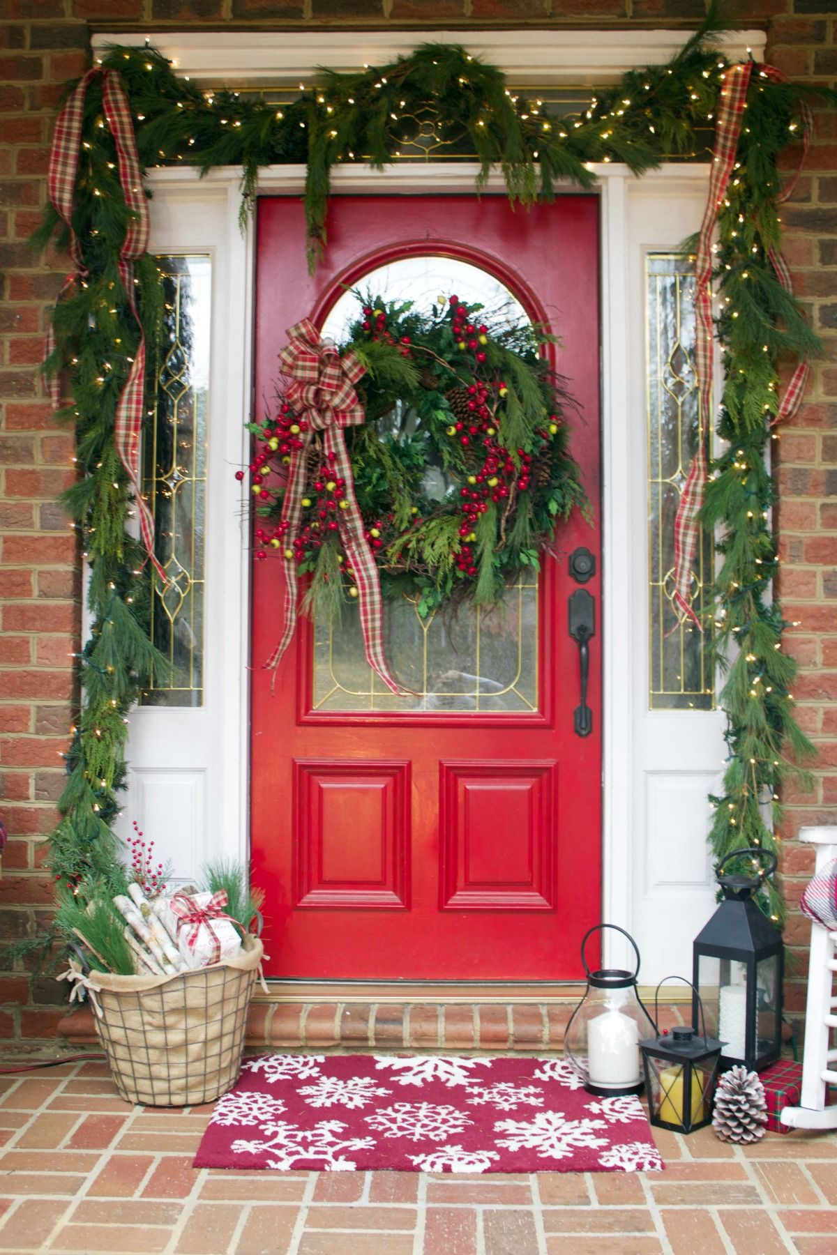 how to decorate front yard for christmas