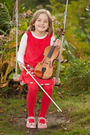 Alma Deutscher The 10 Year Old Who Is Making The Music World Listen Music 10 Year Old Alma