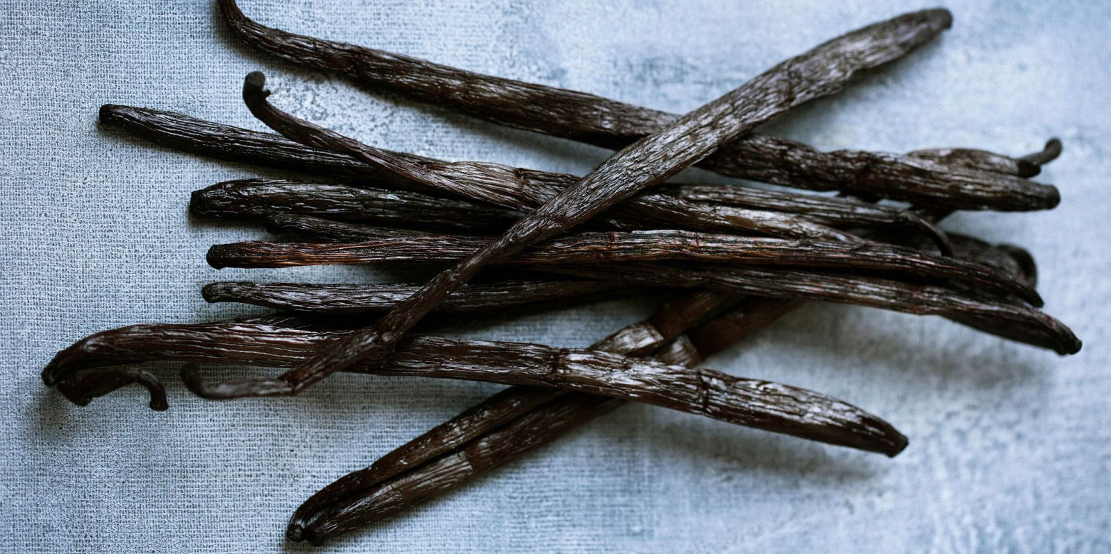 This Baking Hack Makes Using Vanilla Beans Way Easier  - CountryLiving.com