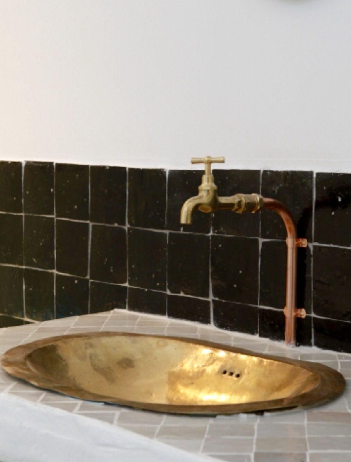 zellige tile detail as bathroom backslash | Brass sink ...