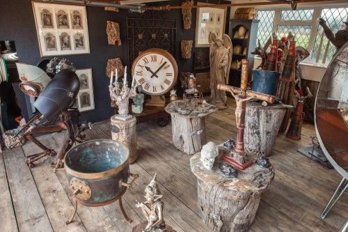 Showroom – Harry Diamond